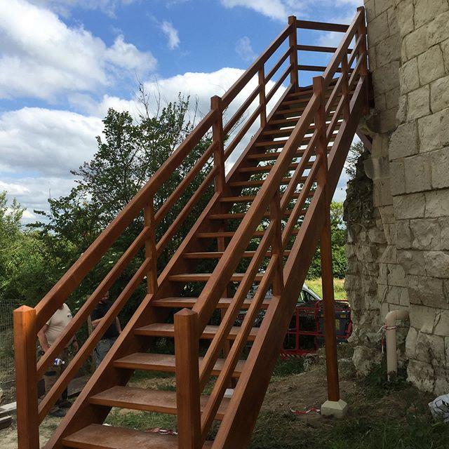 REGIS BERTHELOT Fabricant Escaliers Longue Jumelles 61779240 353371498695435 5511758852514788006 N